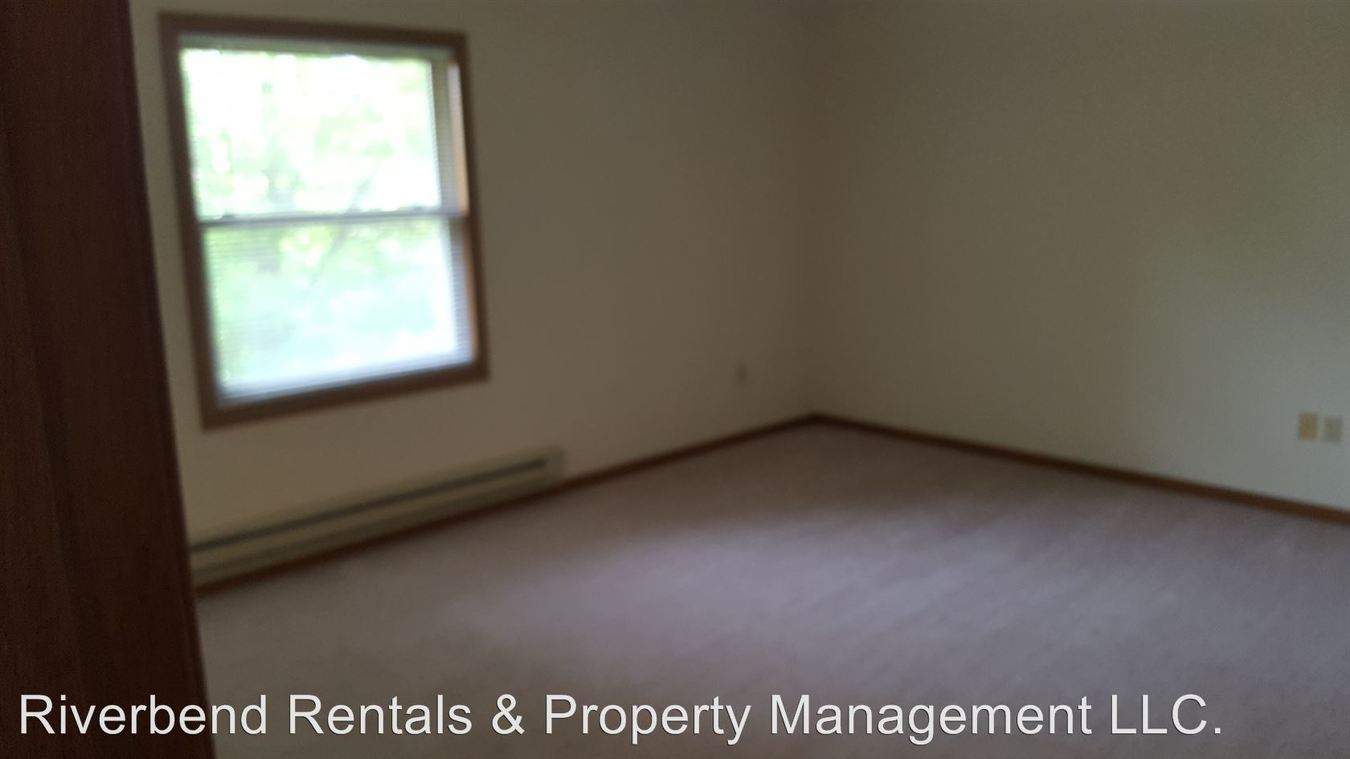 2 Bedrooms 1 Bathroom Apartment for rent at 302 S First Ave in Abbotsford, WI