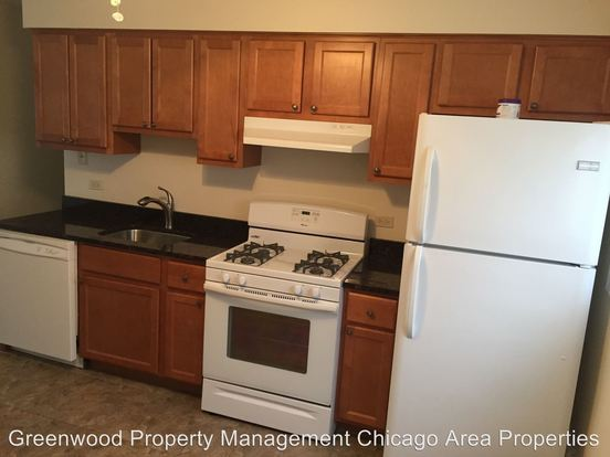 3 Bedrooms 1 Bathroom Apartment for rent at 3201 St. Charles Rd in Bellwood, IL