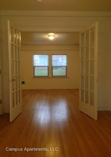 1 Bedroom 1 Bathroom Apartment for rent at 4210 Brooklyn Ave Ne in Seattle, WA