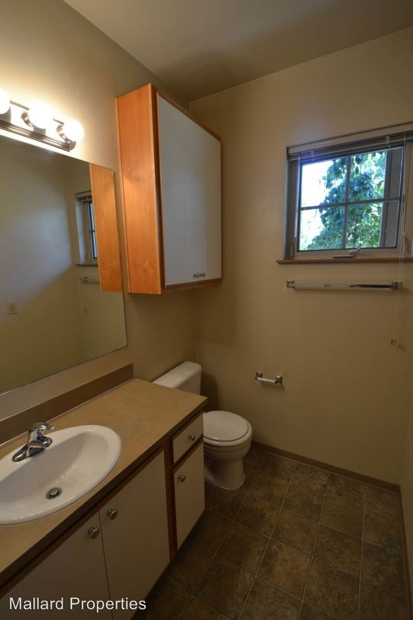 2 Bedrooms 1 Bathroom Apartment for rent at 580 E. 17th A-f in Eugene, OR