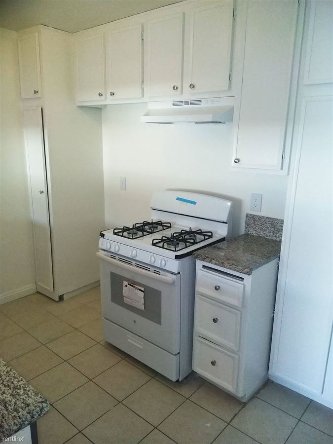 1 Bedroom 1 Bathroom Apartment for rent at 8633 Columbus Ave in North Hills, CA