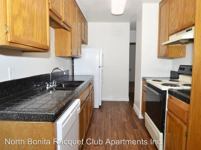 2 Bedrooms 2 Bathrooms Apartment for rent at 2835 Alta View Drive in San Diego, CA