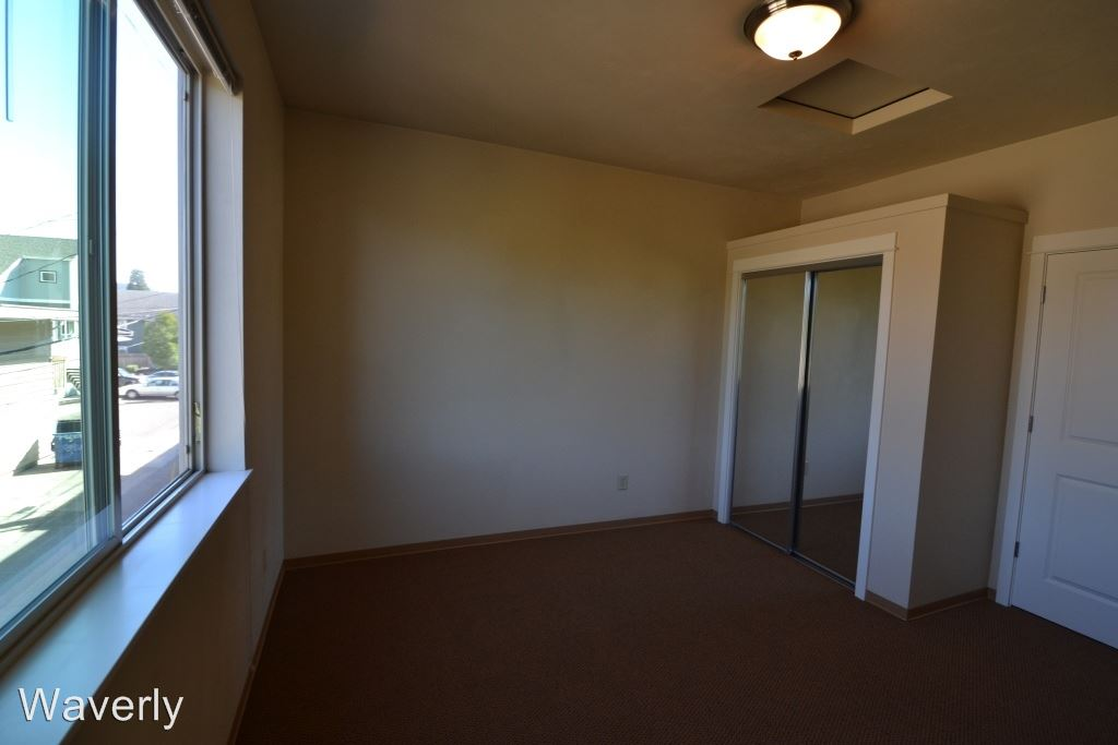 2 Bedrooms 1 Bathroom Apartment for rent at 648 E. 17th 1-20 in Eugene, OR