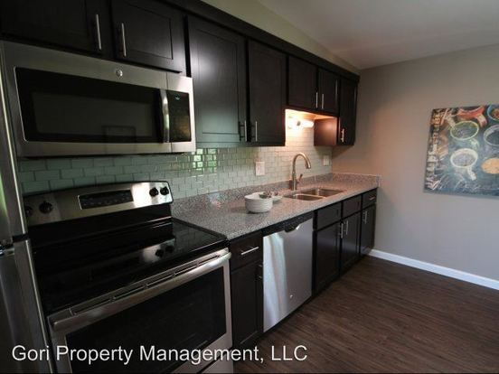 2 Bedrooms 1 Bathroom Apartment for rent at 300 South Main Street in Edwardsville, IL