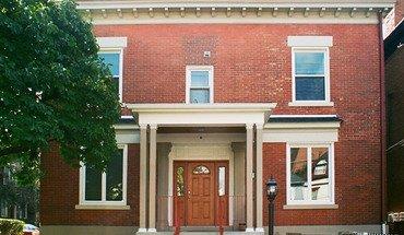 Similar Apartment at 400 Denniston