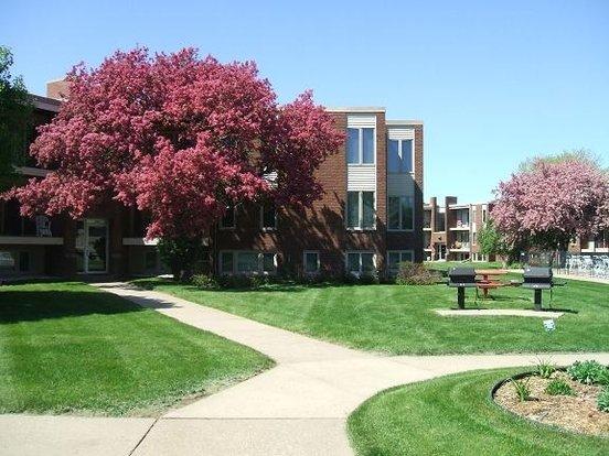 Apartments Near Roseville
