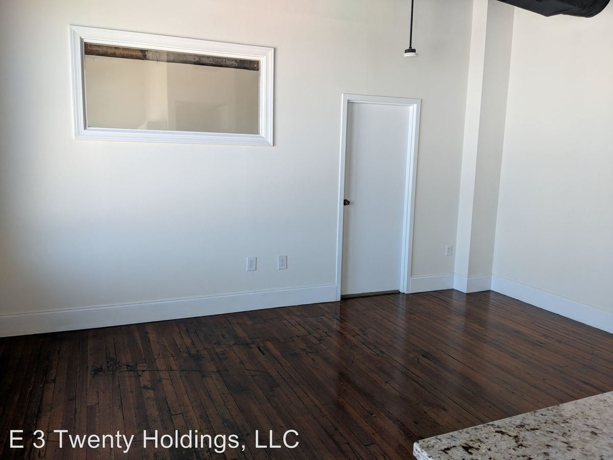 2 Bedrooms 1 Bathroom Apartment for rent at 114 Washington St. Se in Gainesville, GA