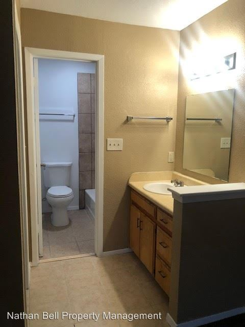 1 Bedroom 1 Bathroom Apartment for rent at Bellcrest II Apts in Paris, TX