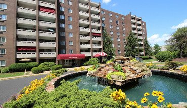 Walnut Crossings Apartment for rent in Monroeville, PA
