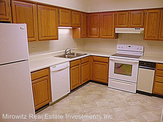 1 Bedroom 1 Bathroom Apartment for rent at 341 W. Pacific Ave in Webster Groves, MO