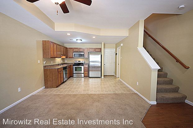 2 Bedrooms 2 Bathrooms Apartment for rent at Mc Menamy & Crown Square in St Peters, MO