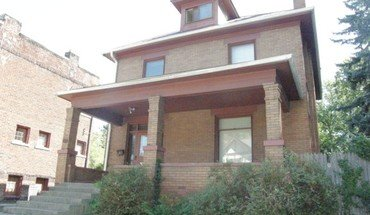 Similar Apartment at 2064 Indianola Ave