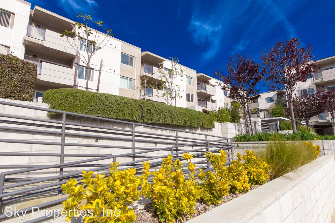 2 Bedrooms 2 Bathrooms Apartment for rent at 3400 Cahuenga Blvd in Los Angeles, CA