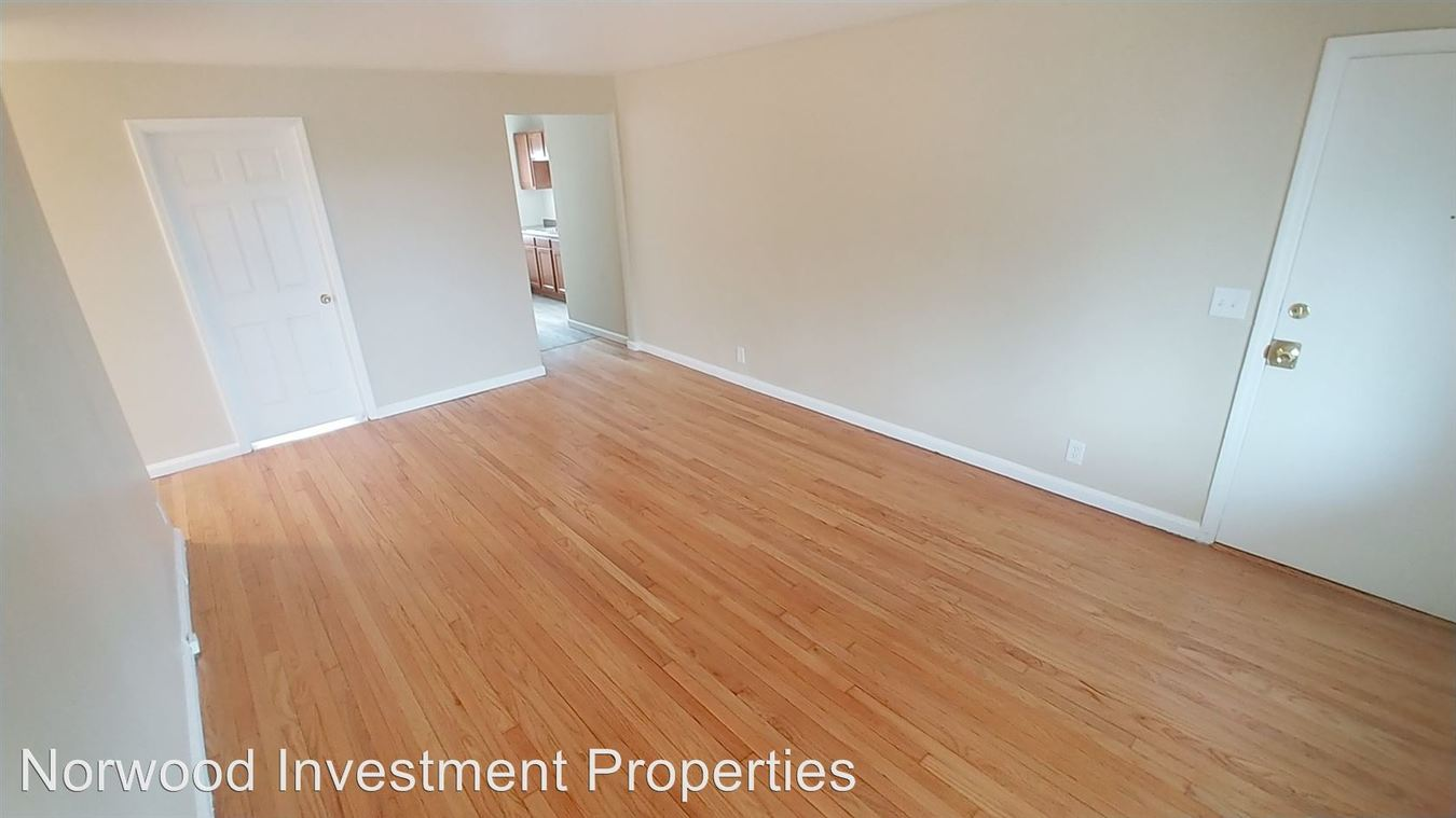 3 Bedrooms 1 Bathroom Apartment for rent at 5300 Reading Road in Cincinnati, OH