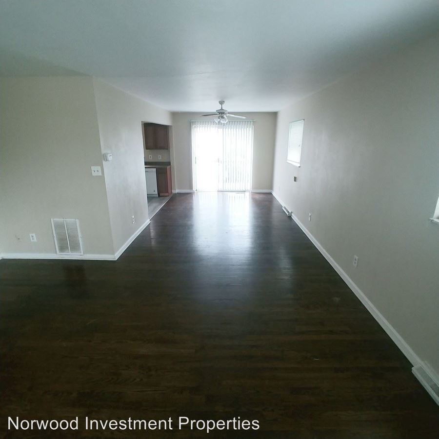 3 Bedrooms 1 Bathroom Apartment for rent at Ferguson Road in Cincinnati, OH