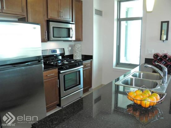 2 Bedrooms 2 Bathrooms Apartment for rent at 555 W Kinzie St in Chicago, IL