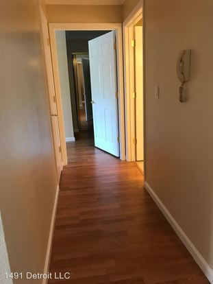 2 Bedrooms 1 Bathroom Apartment for rent at 1491 Detroit Leasing Office in Concord, CA