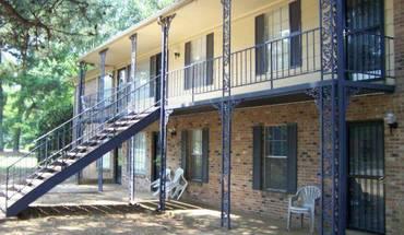 Similar Apartment at Raleigh Pines