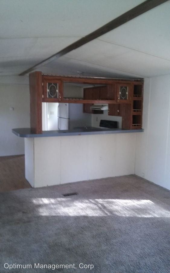3 Bedrooms 2 Bathrooms Apartment for rent at 1242 Woodland Dr. in Elizabethtown, KY
