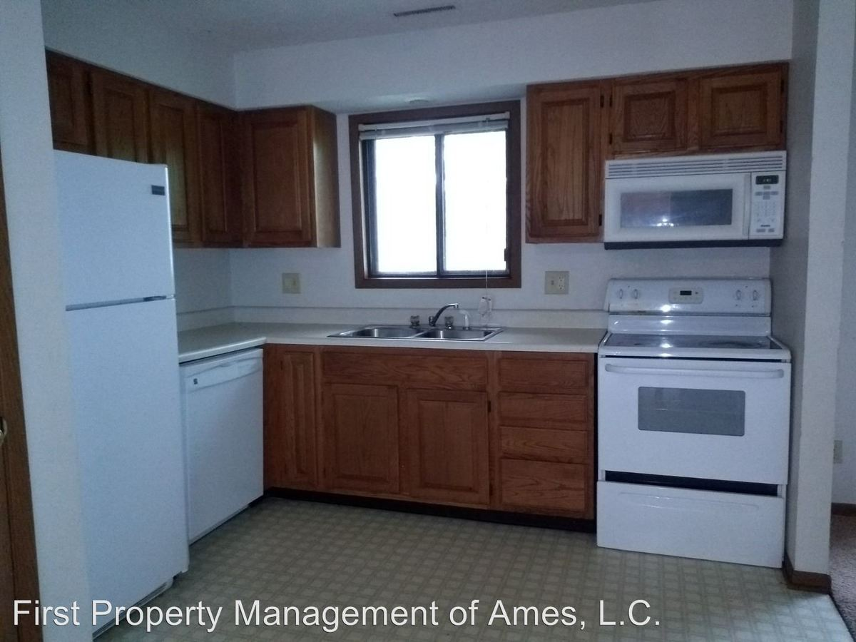 3 Bedrooms 1 Bathroom Apartment for rent at 1502 Delaware in Ames, IA