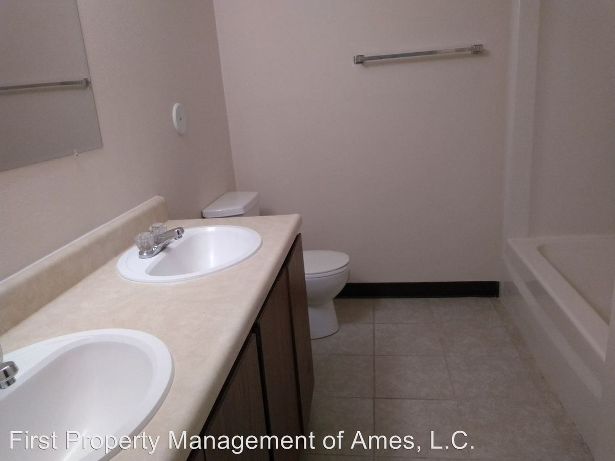 3 Bedrooms 1 Bathroom Apartment for rent at 4731 Toronto in Ames, IA
