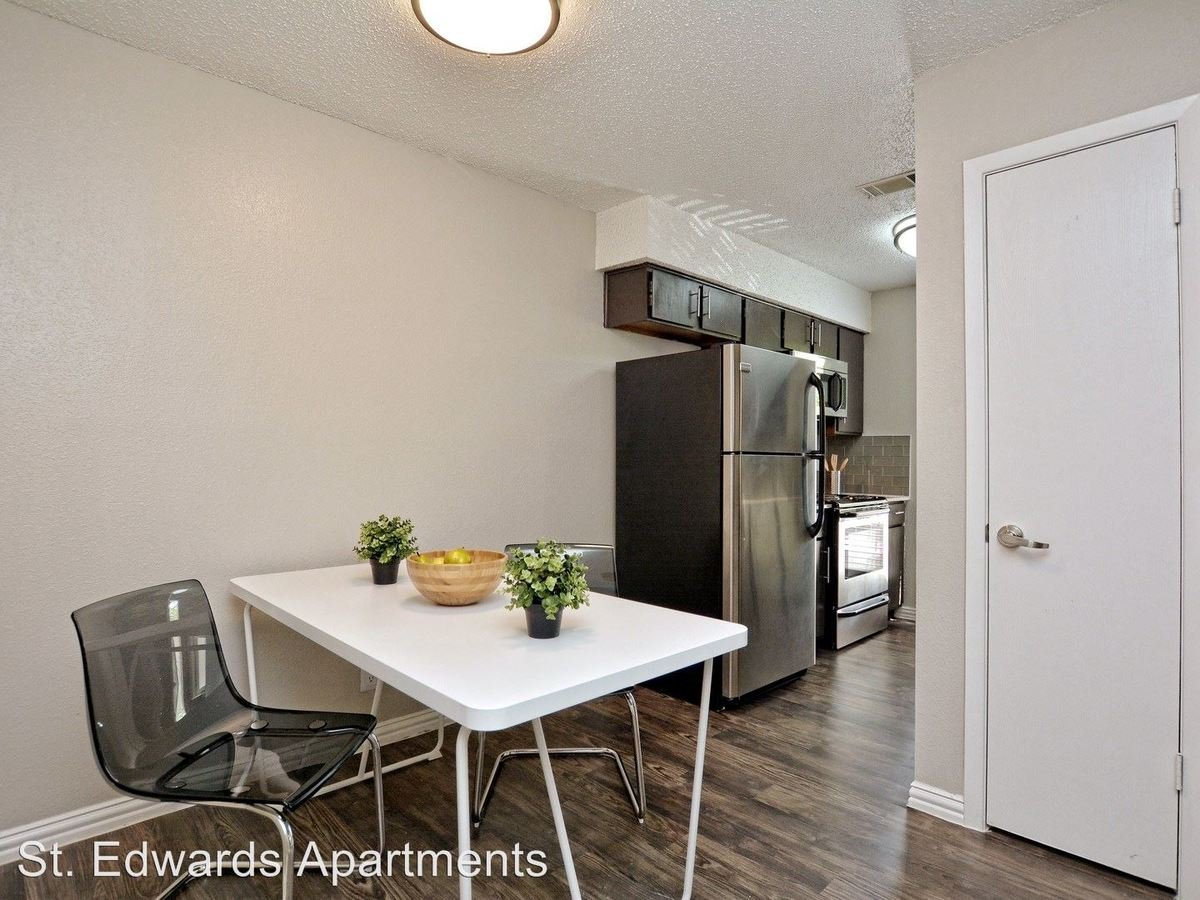 2 Bedrooms 1 Bathroom Apartment for rent at 125 Woodward Street in Austin, TX
