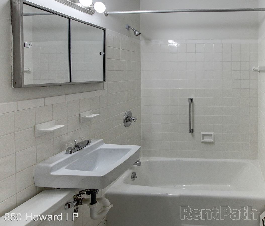 136 Store Avenue Waterbury, CT Apartment For Rent