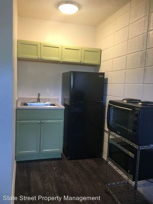Studio 1 Bathroom Apartment for rent at 500 Elmwood Pl in Austin, TX