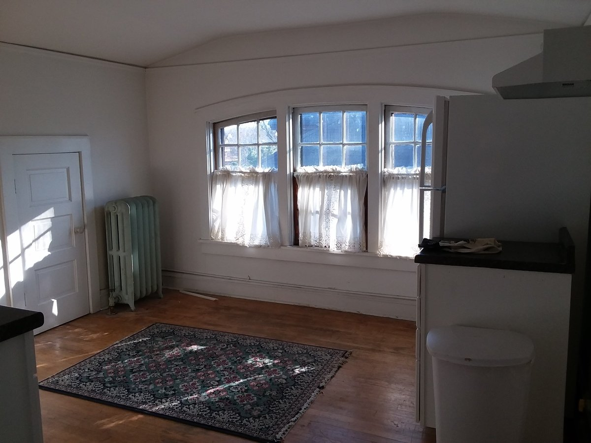 1 Bedroom 1 Bathroom Apartment for rent at 3037-3039 N Frederick Ave in Milwaukee, WI