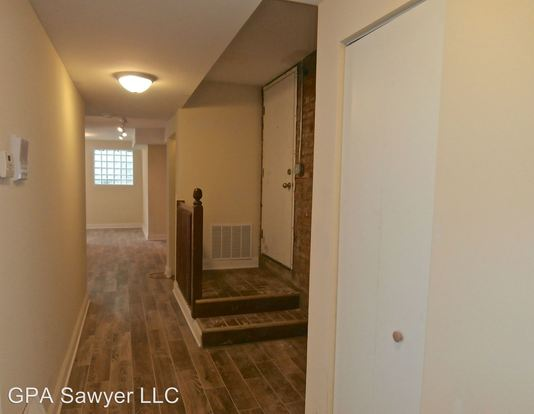 3 Bedrooms 1 Bathroom Apartment for rent at 5001 N Sawyer in Chicago, IL