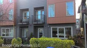 Similar Apartment at 8015 N Leavitt Ave