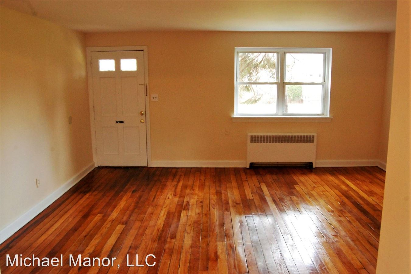 2 Bedrooms 1 Bathroom Apartment for rent at 802 East Front St in Plainfield, NJ