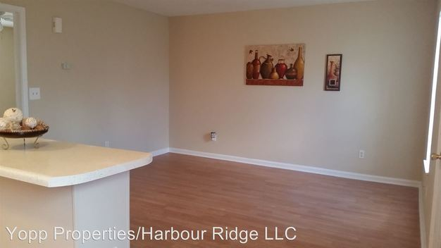 1 Bedroom 1 Bathroom Apartment for rent at 1436 A Harbour Dr in Wilmington, NC