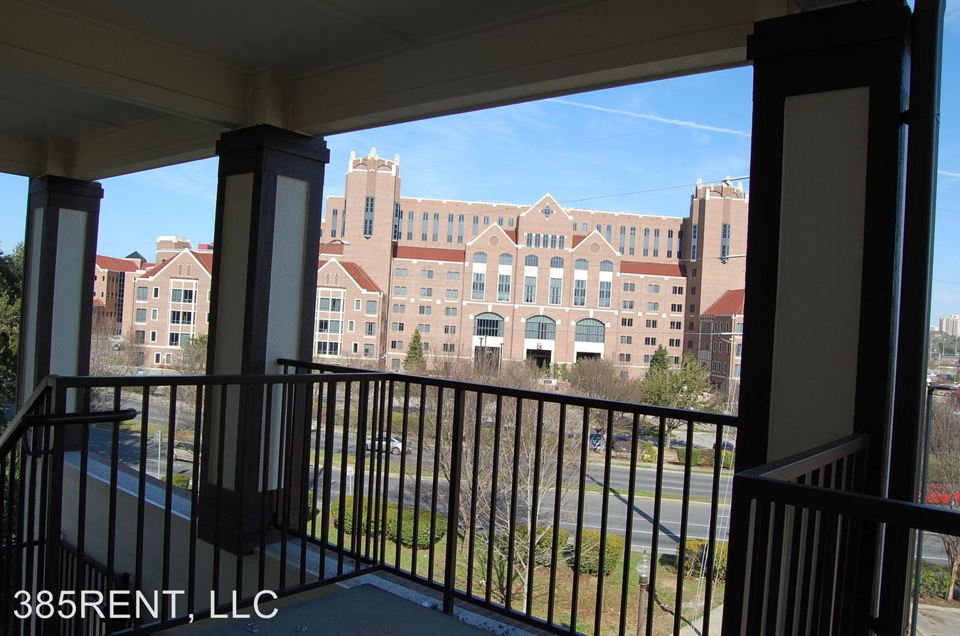 2 Bedrooms 2 Bathrooms Apartment for rent at 325 Hayden Road in Tallahassee, FL