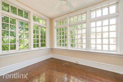 2 Bedrooms 2 Bathrooms Apartment for rent at Highland Club Apartments in Atlanta, GA