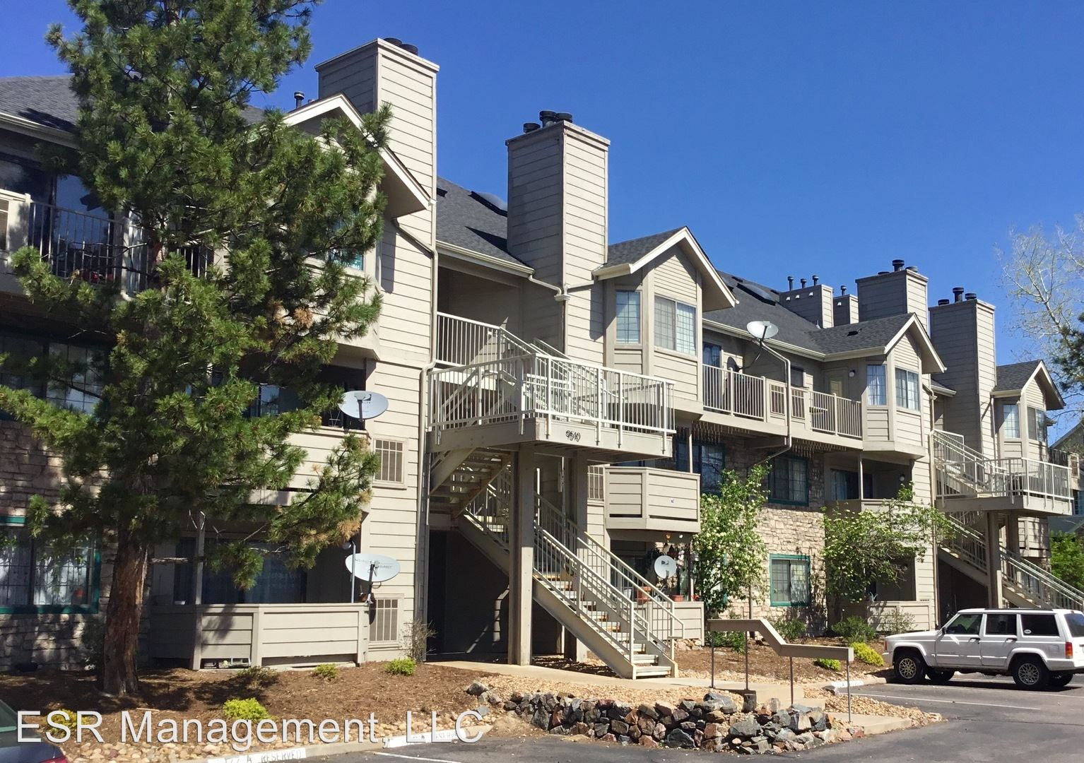 Similar Apartment at 9510 E Florida Ave