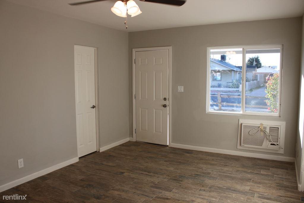 Studio 1 Bathroom Apartment for rent at 1501 E Harvard St in Phoenix, AZ