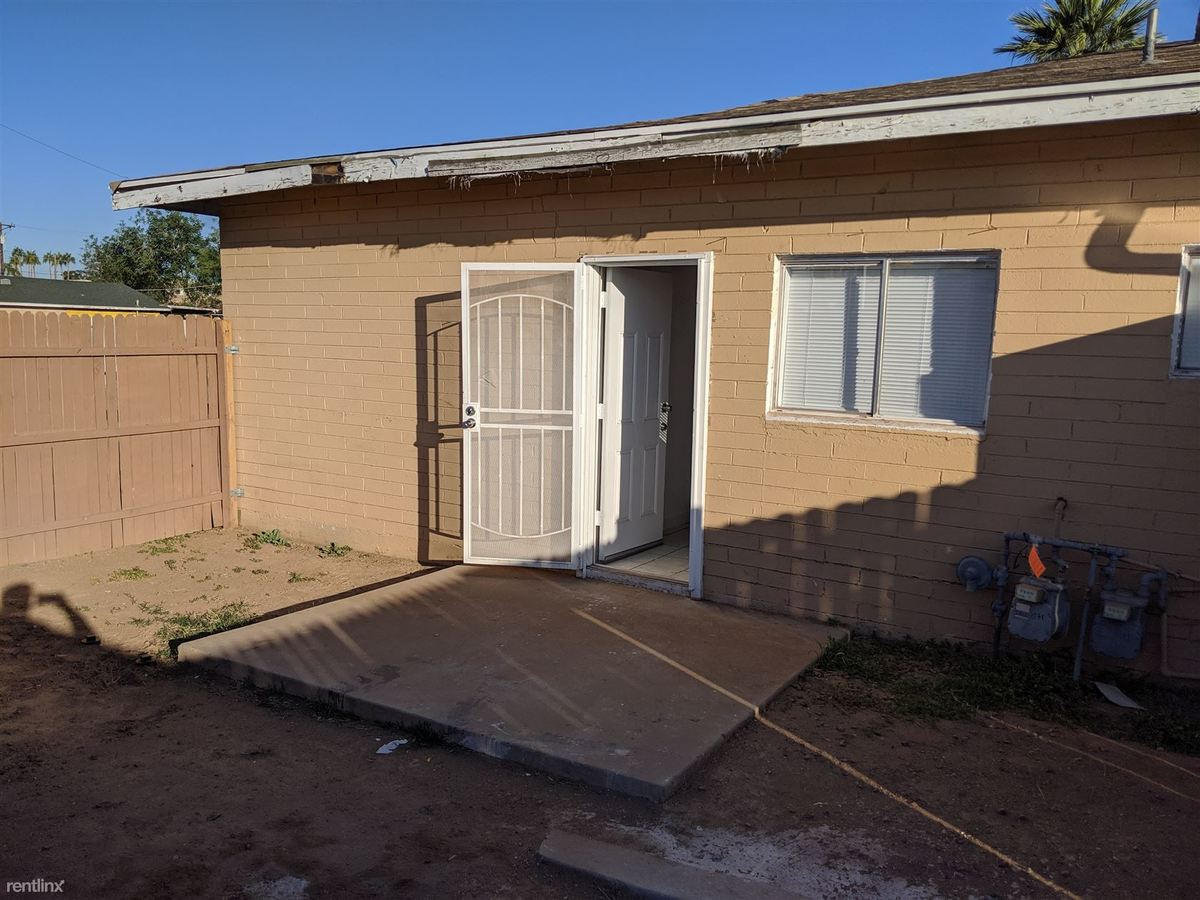 2 Bedrooms 1 Bathroom Apartment for rent at 4121 N 33rd Dr in Phoenix, AZ