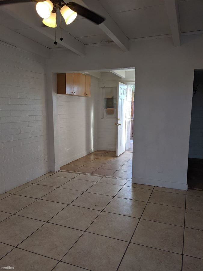 1 Bedroom 1 Bathroom Apartment for rent at 4121 N 33rd Dr in Phoenix, AZ
