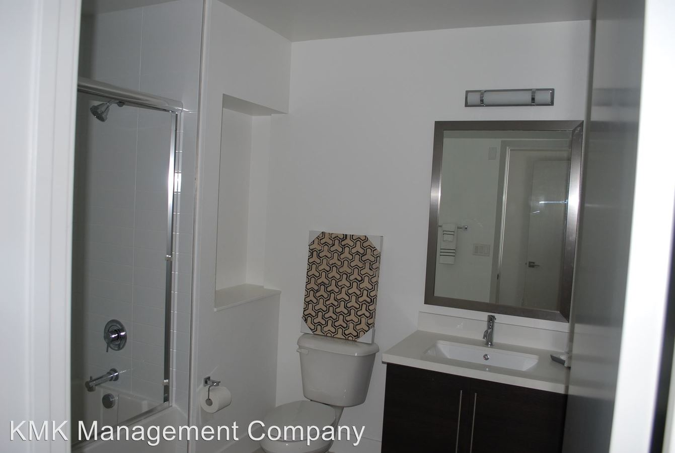 2 Bedrooms 2 Bathrooms Apartment for rent at 11811 Culver Blvd in Los Angeles, CA