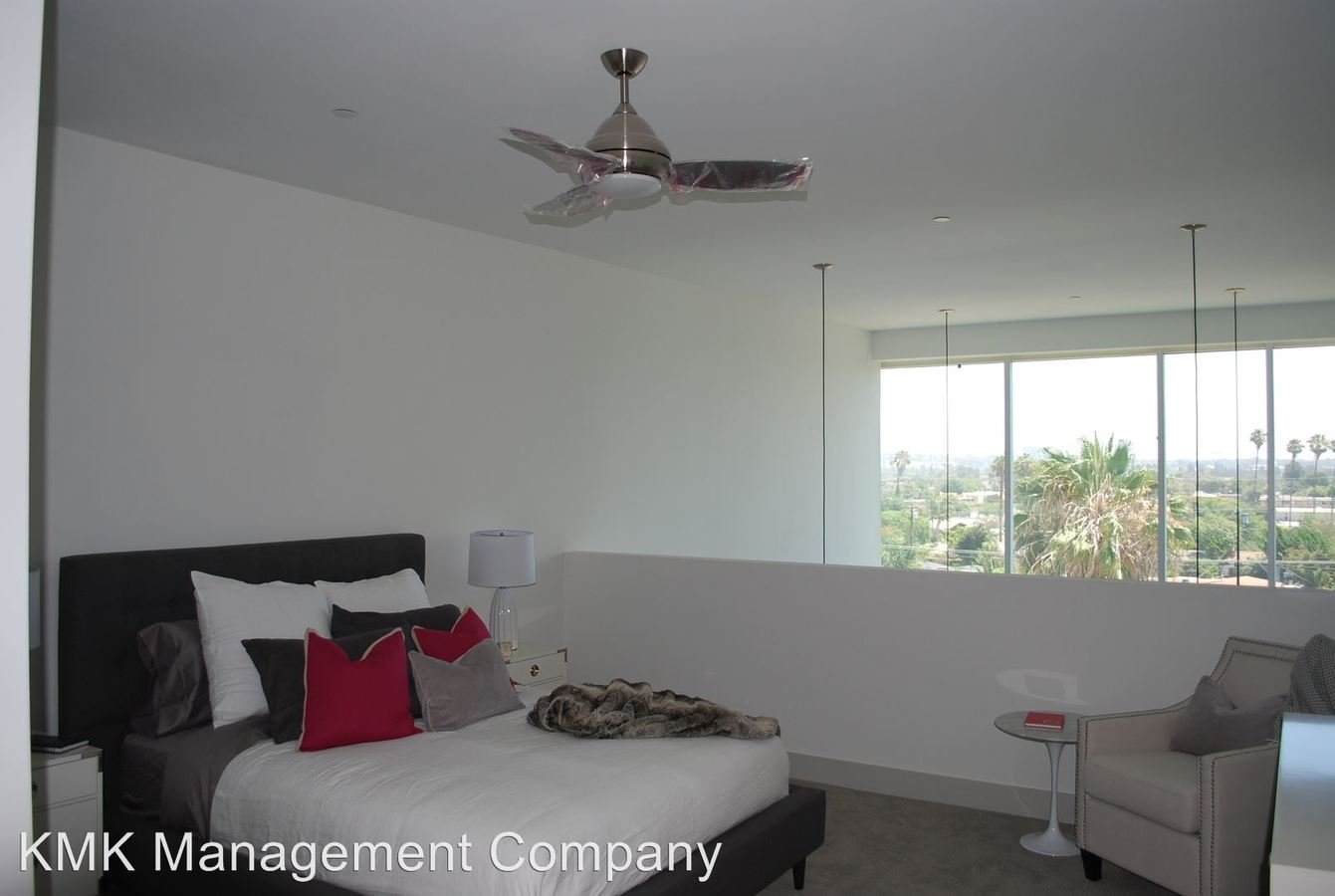 1 Bedroom 2 Bathrooms Apartment for rent at 11811 Culver Blvd in Los Angeles, CA