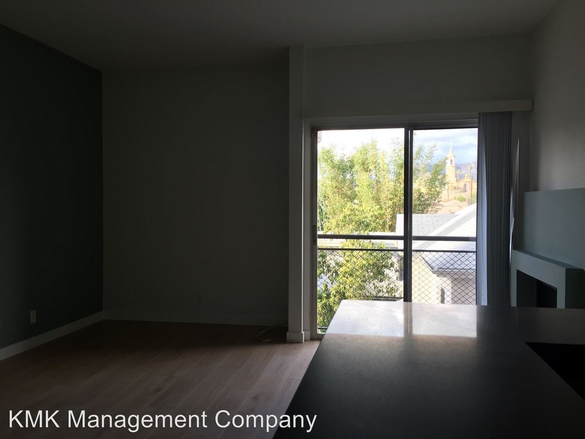 1 Bedroom 1 Bathroom Apartment for rent at 1234 N Las Palmas Ave in Hollywood, CA