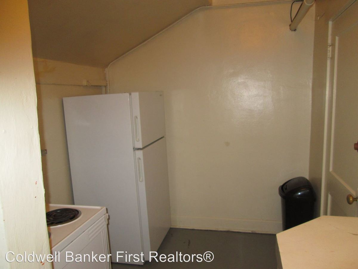 Studio 1 Bathroom Apartment for rent at Clinton Court Apts 602 Boyer in Walla Walla, WA