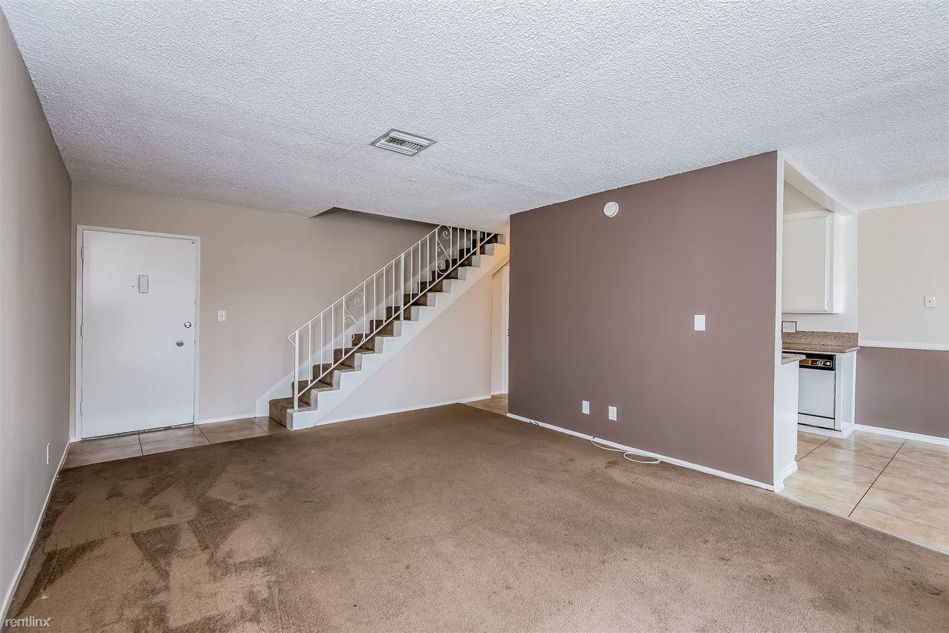 2 Bedrooms 2 Bathrooms Apartment for rent at Royal Oaks in San Gabriel, CA