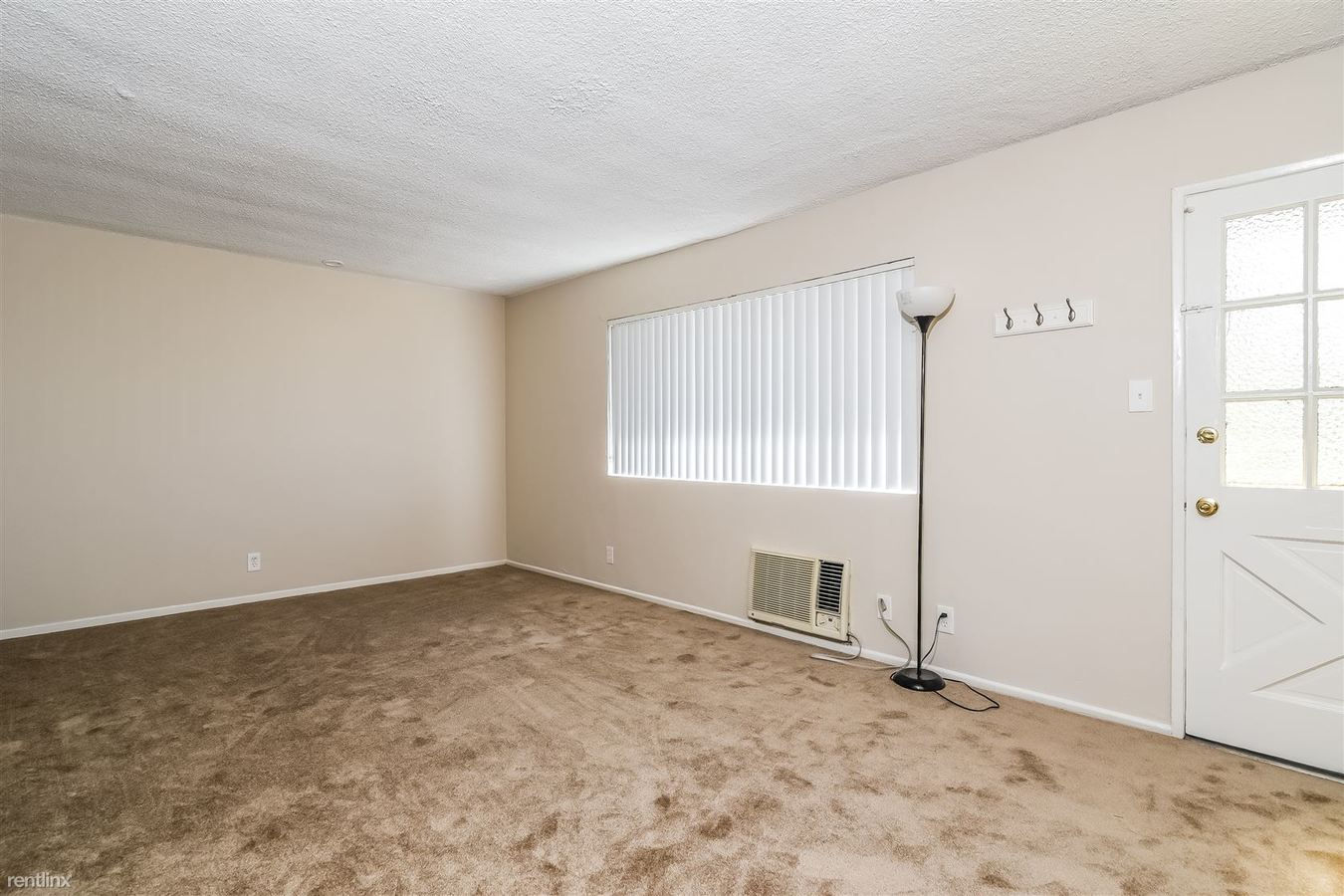2 Bedrooms 1 Bathroom Apartment for rent at Evergreen Pine Apartments in Temple City, CA