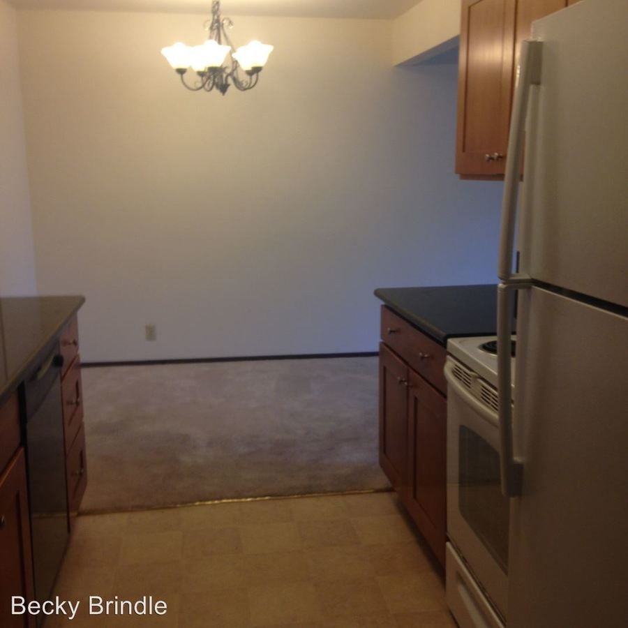 1 Bedroom 1 Bathroom Apartment for rent at 1530 Ne 146Th St in Shoreline, WA