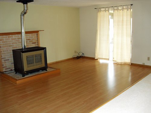 3 Bedrooms 1 Bathroom Apartment for rent at 7837 SE Harney Street in Portland, OR