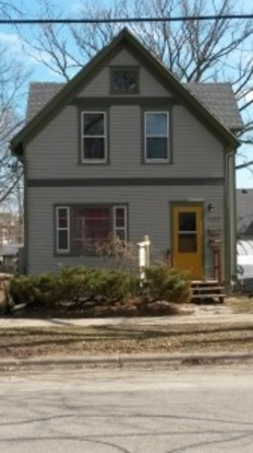 3 Bedrooms 1 Bathroom Apartment for rent at 1307 E. Mifflin St. Apt.1 in Madison, WI