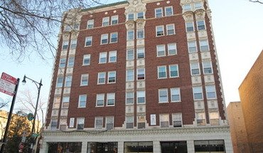 Greenview Apartment for rent in Chicago, IL