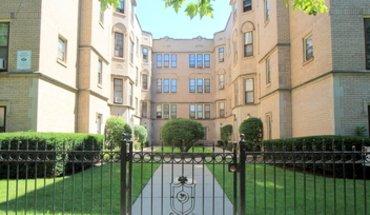 Claremont Apartment for rent in Chicago, IL